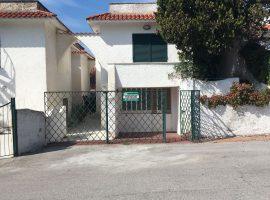 Villa in Vendita a Baia Domizia Centro - 64084920