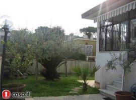 Villa in vendita a Baia Domizia centro - 66655219