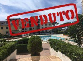 V E N D U T O - Appartamento a Baia Domizia Centro in parco con piscine - 66655423